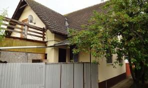 Makón kellemesen nyugodt környéken családi ház eladó!