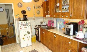 Kiszombor központjában összkomfortos családi ház elérhető áron eladó!