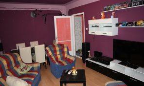 Makó központjában fiatalosan felújított lakás eladó!
