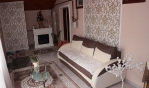 Három szobás, igényes családi ház kicsiny udvarral Újvároson eladó!