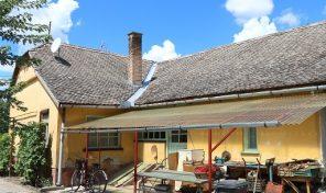 Kiszomboron az óbébai utcában eladó családi ház gazdálkodásra alkalmas portával!