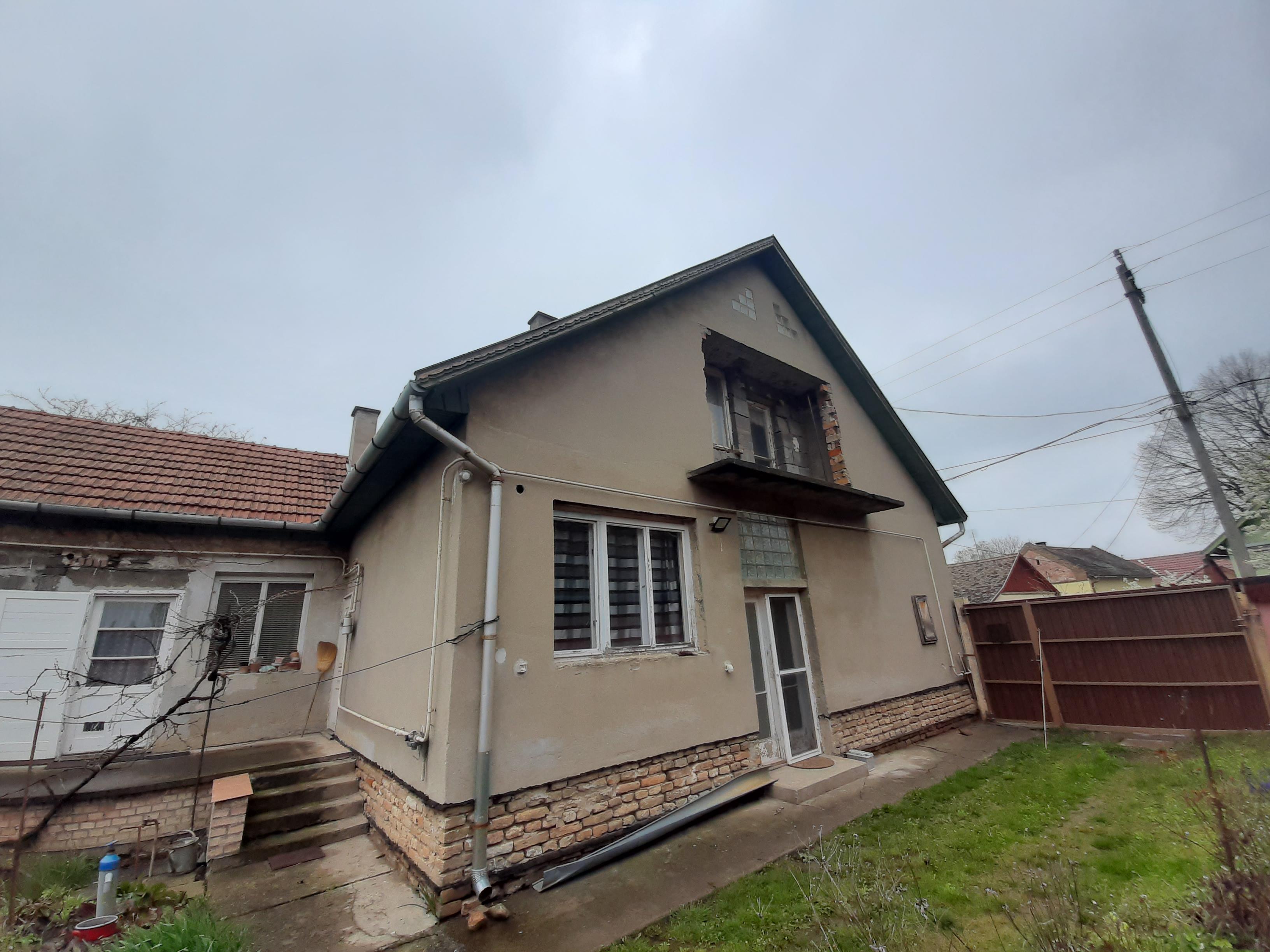 Makón a Szép utca közelében családi ház eladó!