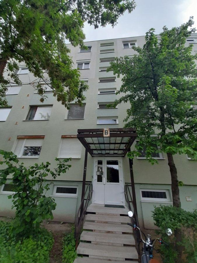 Szeged, Ipolysoron panelprogramos 2,5 szobás erkélyes lakás eladó!